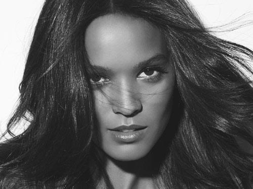 La 'top' Liya Kebede, nuevo fichaje de una firma cosmética