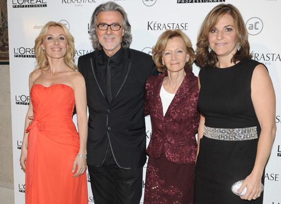 El peluquero Alberto Cerdán se rodea de amigos para celebrar sus 40 años de carrera