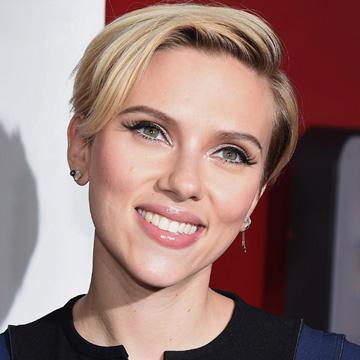 Los 30 años de Scarlett Johansson en 30 'looks'