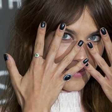 Dime cómo eres... ¡y te diré qué color les va a tus uñas!