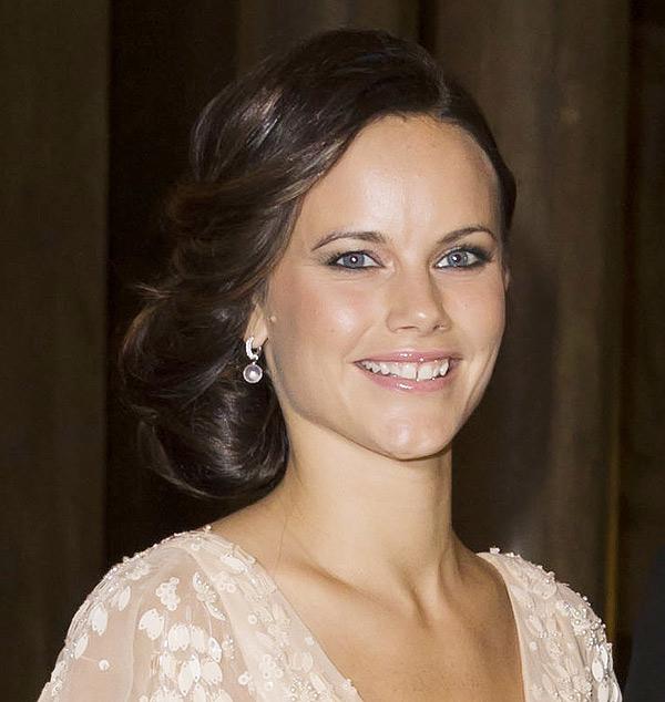 Sofia Hellqvist: ideas de peinados para la novia de Suecia