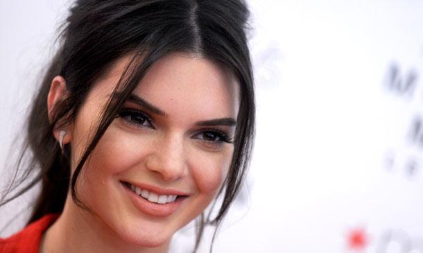 El maquillador de Kendall Jenner nos da las claves de su 'beauty look', ¿te lo vas a perder?