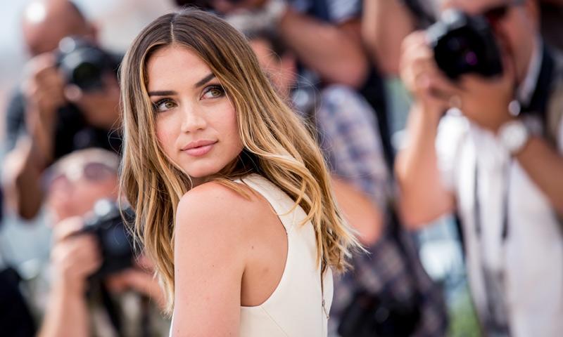 Ana de Armas, o cómo conquistar Cannes en seis 'beauty looks'