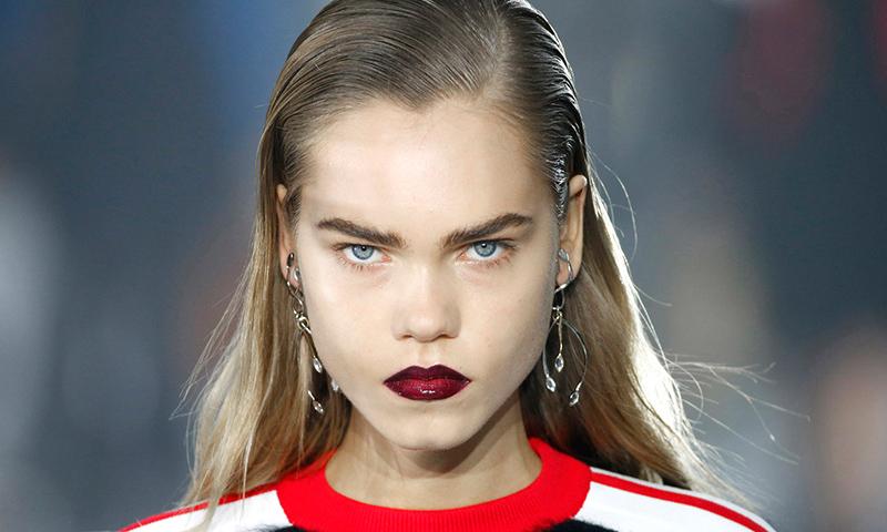 Apúntate a la moda de los labios imperfectos