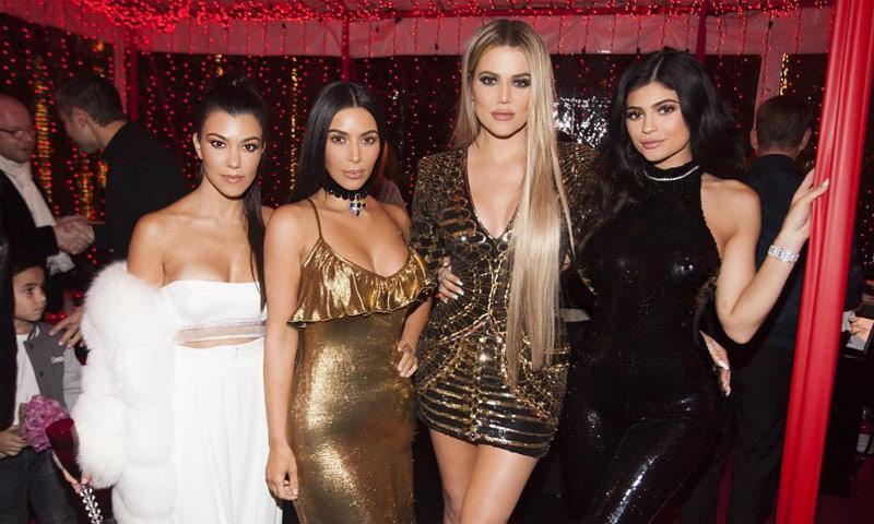 Kim Kardashian también vuelve por Navidad