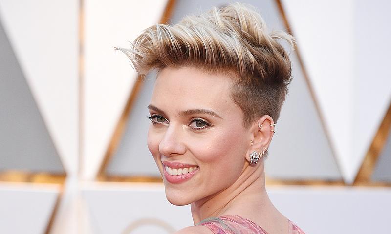 Así se maquilló Scarlett Johansson para ir a los Oscar