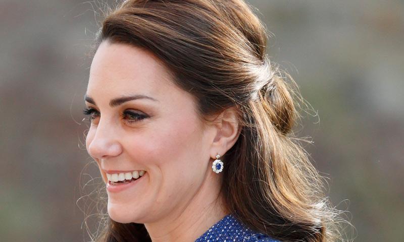 La Duquesa de Cambridge y las mil y una versiones de su peinado favorito