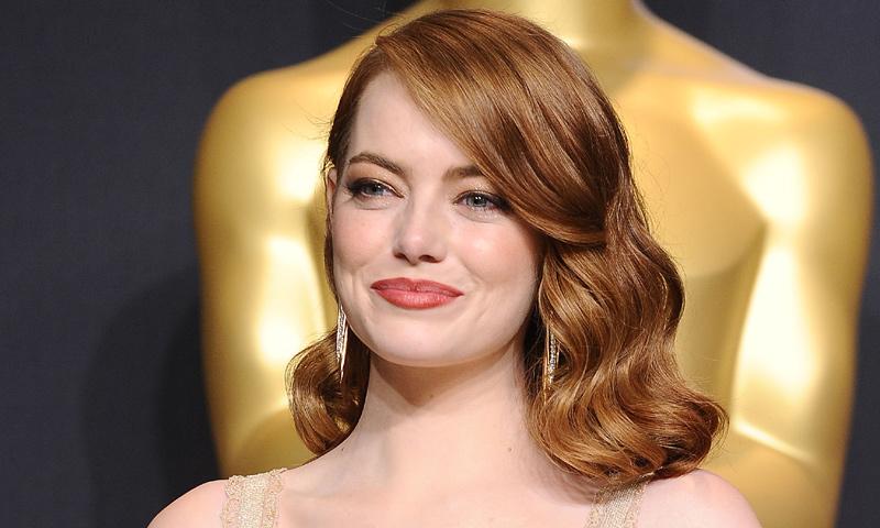 Emma Stone abandona el pelirrojo, ¿cuál es su nuevo color de pelo?