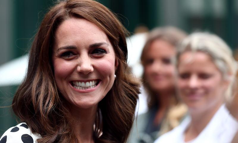 La Duquesa de Cambridge estrena 'look' y corta su pelo para el verano