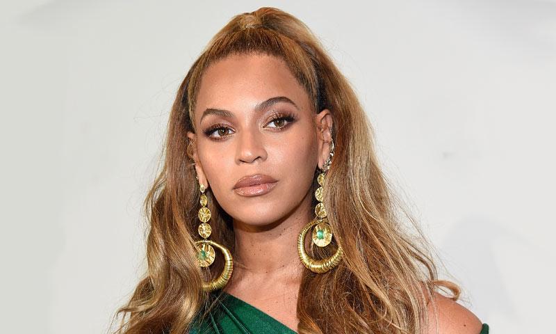 Beyoncé despide el año con su nueva melena 'curly bob'