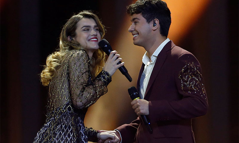 Amaia apuesta en Eurovisión por la tendencia de maquillaje de las 'celebrities'