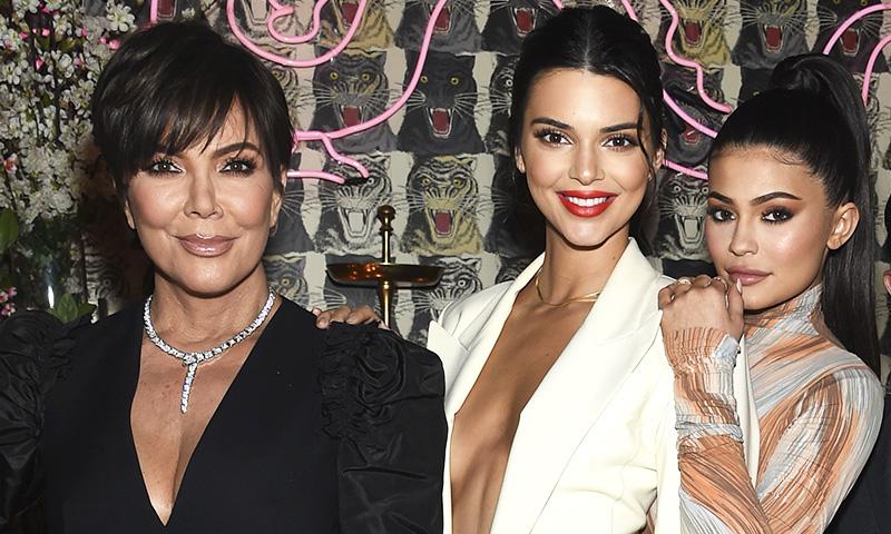 Kylie Jenner y su madre desvelan cómo elevar los pómulos sin cirugía