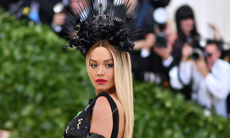 Sabemos la verdad sobre la nueva melena pelirroja de Rita Ora