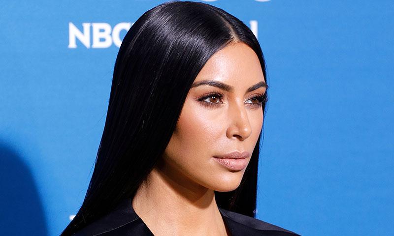 Lo ha vuelto a hacer: Kim Kardashian se tiñe de nuevo y estrena 'Blue Black'