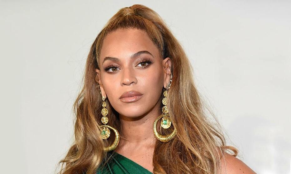 Cambio de look: Beyoncé oscurece el color de su melena