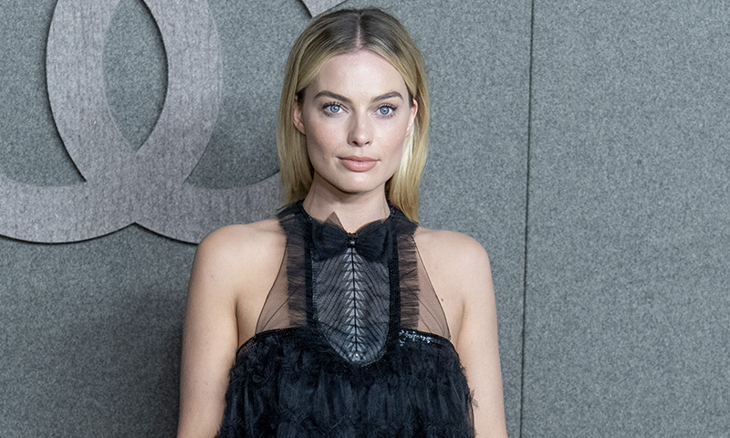 Margot Robbie sigue imparable y da un paso más como icono de Chanel