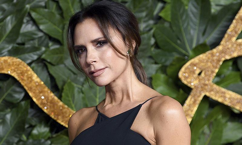 Rituales de belleza que no creerás que Victoria Beckham y otras 'celebrities' siguen de verdad