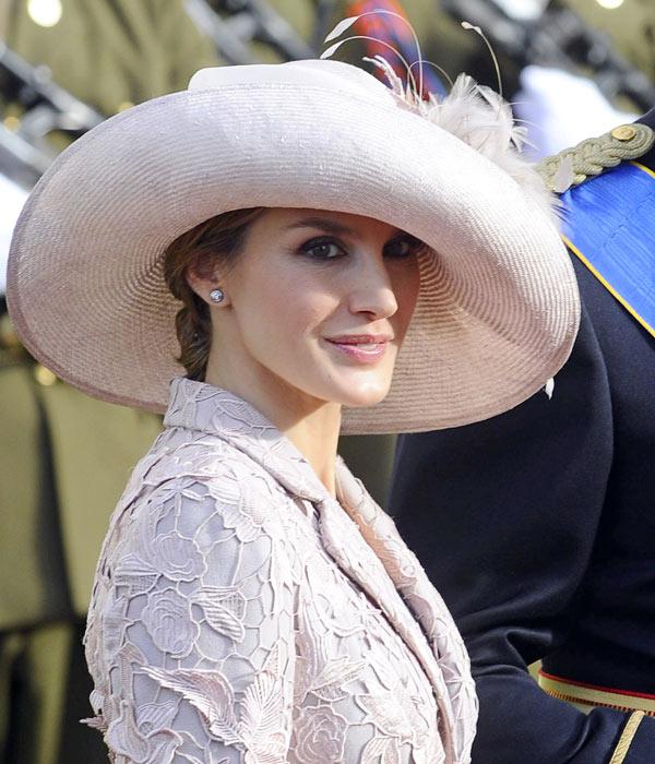 Super dulce reina letizia peinados Imagen De Cortes De Pelo Tendencias - Reina Letizia: los peinados que elige cuando lleva tocado