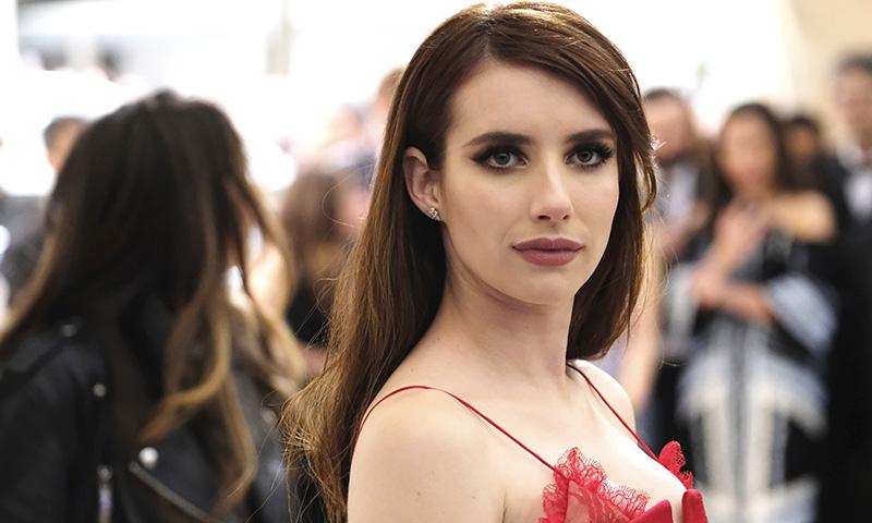 El ritual que deberías copiar a Emma Roberts si tienes el pelo teñido