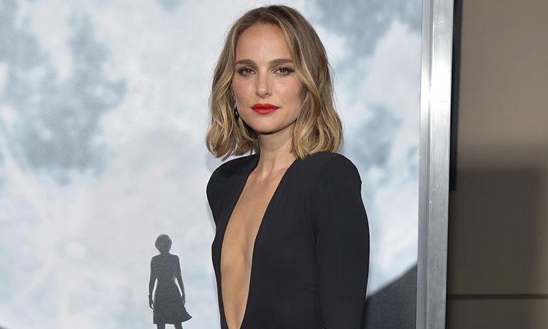 ¿Cuál es el maquillaje perfecto para un 'LBD'? Natalie Portman responde