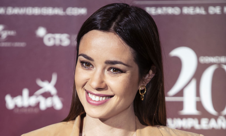 Dafne Fernández, otra actriz que cae en las redes del pelo rubio