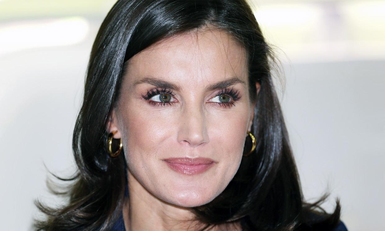 Doña Letizia y su maquillaje 'glossy': los trucos fáciles que lo consiguen