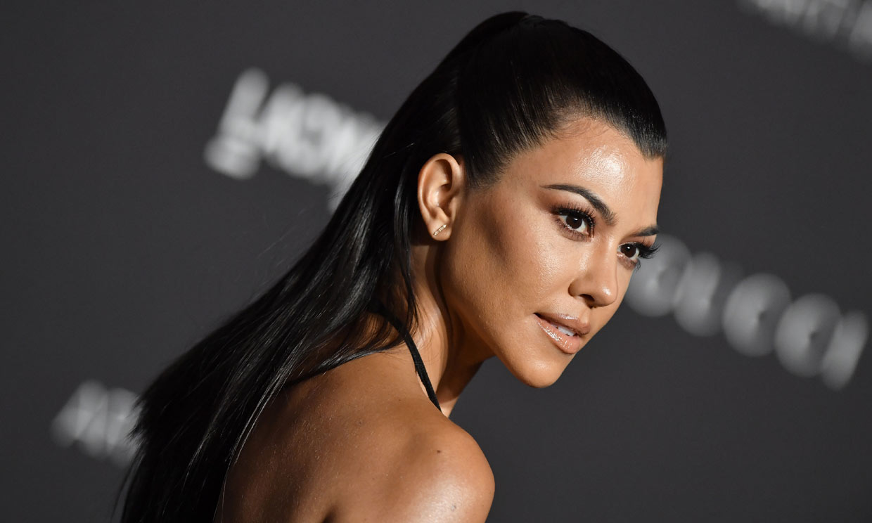 Kourtney Kardashian sorprende a sus fans con un radical cambio de look