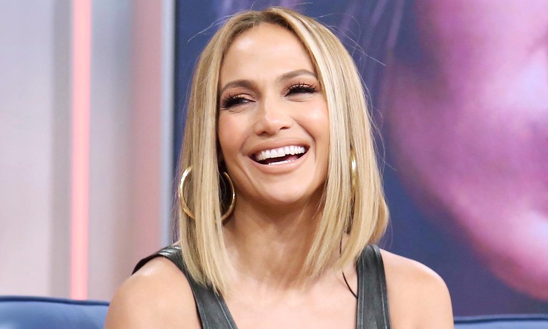 Jennifer Lopez copia el truco de las 'royals' para que su anillo brille más