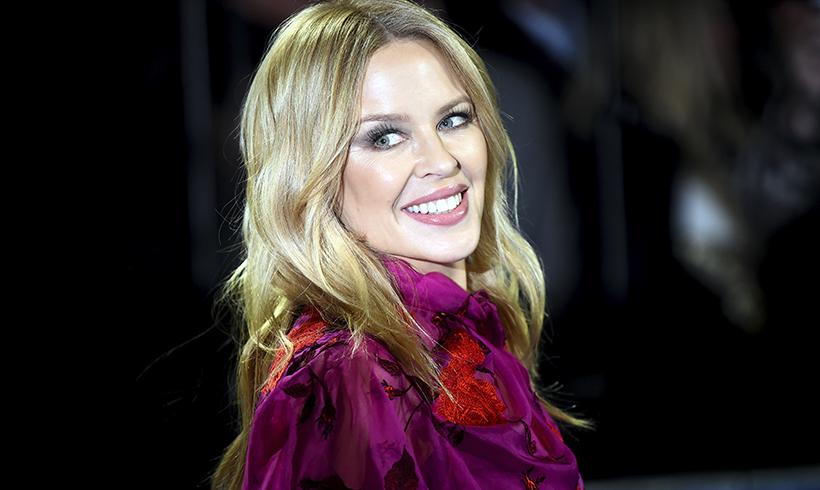 La razón por la que Kylie Minogue tiene la piel tan bonita a los 51