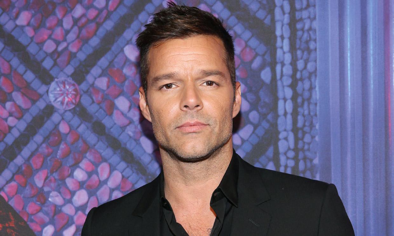 ¡Cambio radical! Ricky Martin se tiñe el pelo, imitando a uno de sus hijos