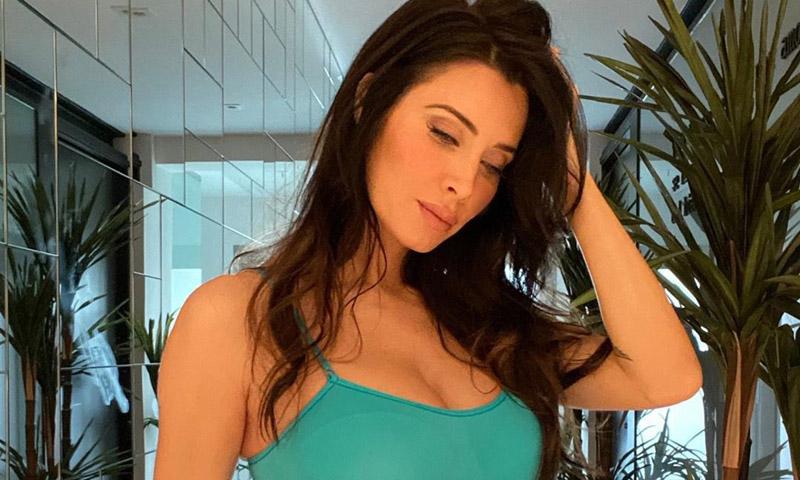 Pilar Rubio se tiñe el pelo en casa... y no está muy contenta con el resultado