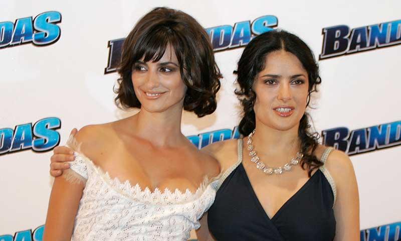 '¡Parecen hermanas!': Penélope Cruz felicita a Salma Hayek con unas bonitas imágenes de su amistad