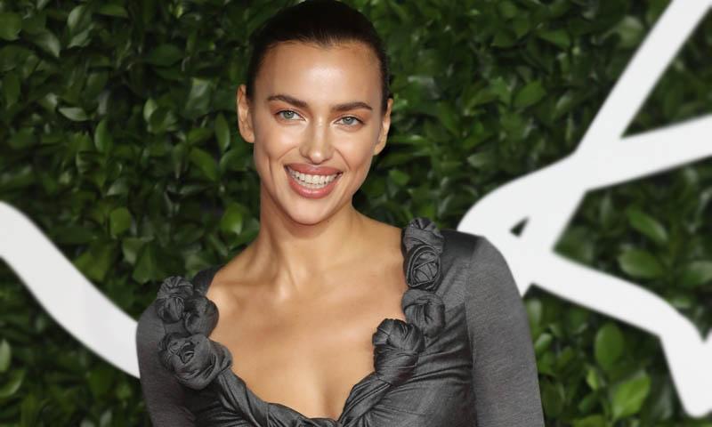 La realidad supera la ficción: el impactante 'selfie' en lencería de Irina Shayk