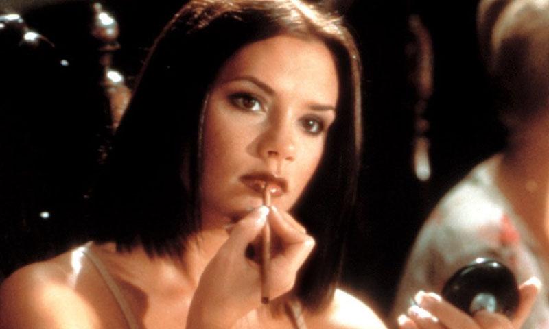 Victoria Beckham recuerda su pasado como 'Posh Spice' en su esperada colección de maquillaje