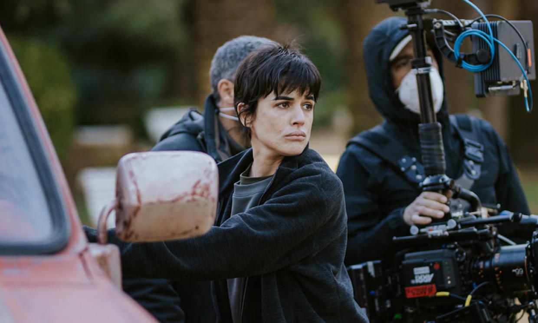 Adriana Ugarte termina el rodaje de su nueva película y sus fans alucinan con su transformación
