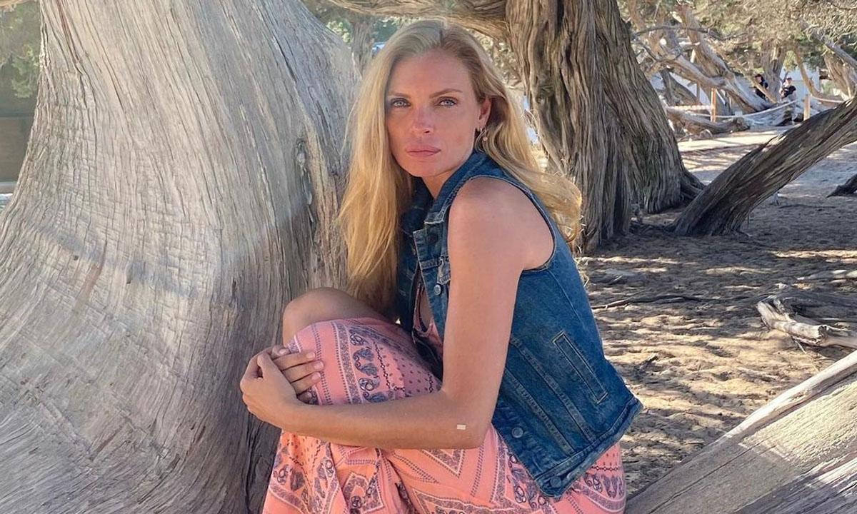 'No has envejecido un solo día': Esther Cañadas estrena verano en bikini