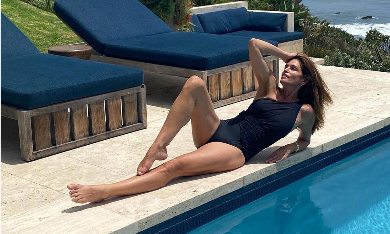 Las supermodelos celebran las vacaciones con sus mejores posados en bikini y bañador