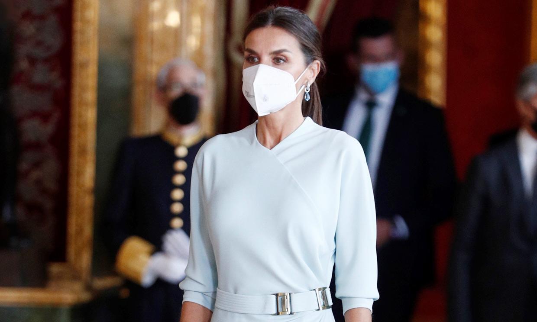 La reina Letizia 'copia' la coleta favorita de Eva González