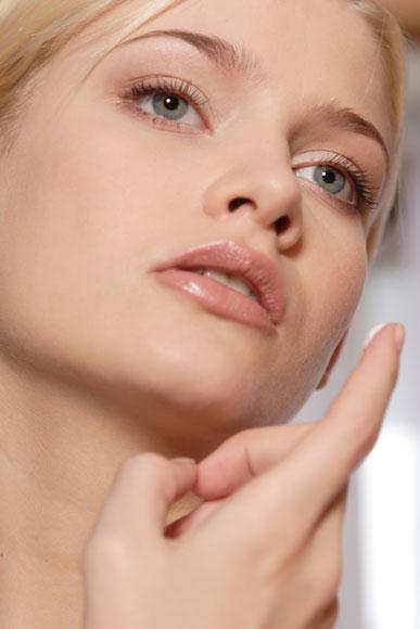 Sol, tabaco y estrés: ¿cómo afectan a tu piel?