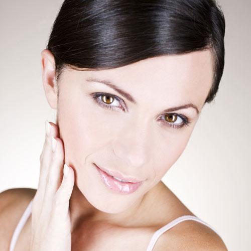 ¿Cómo se manifiesta el acné en la madurez?