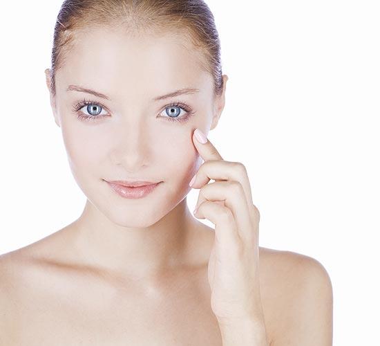 En verano, ¡apúntate a la cosmética más ligera!
