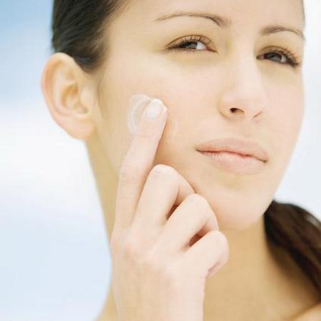 Falsos mitos (y alguna verdad) sobre la hidratación de tu piel
