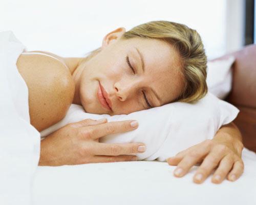 ¿Sabes cómo actúa tu piel por la noche?