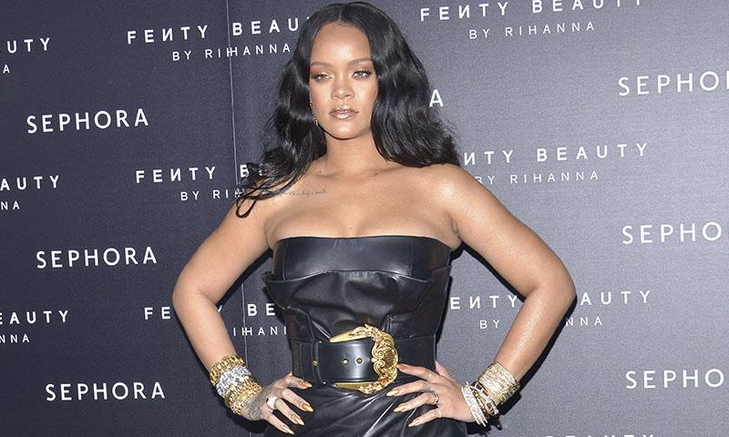 Rihanna pone a tu alcance la técnica de las pasarelas para esculpir el cuerpo
