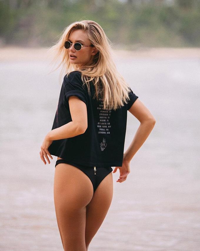 Mature latina booty