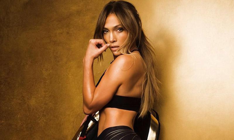 ¿Quieres el vientre plano de Jennifer Lopez? Su entrenador te recomienda estos 10 ejercicios
