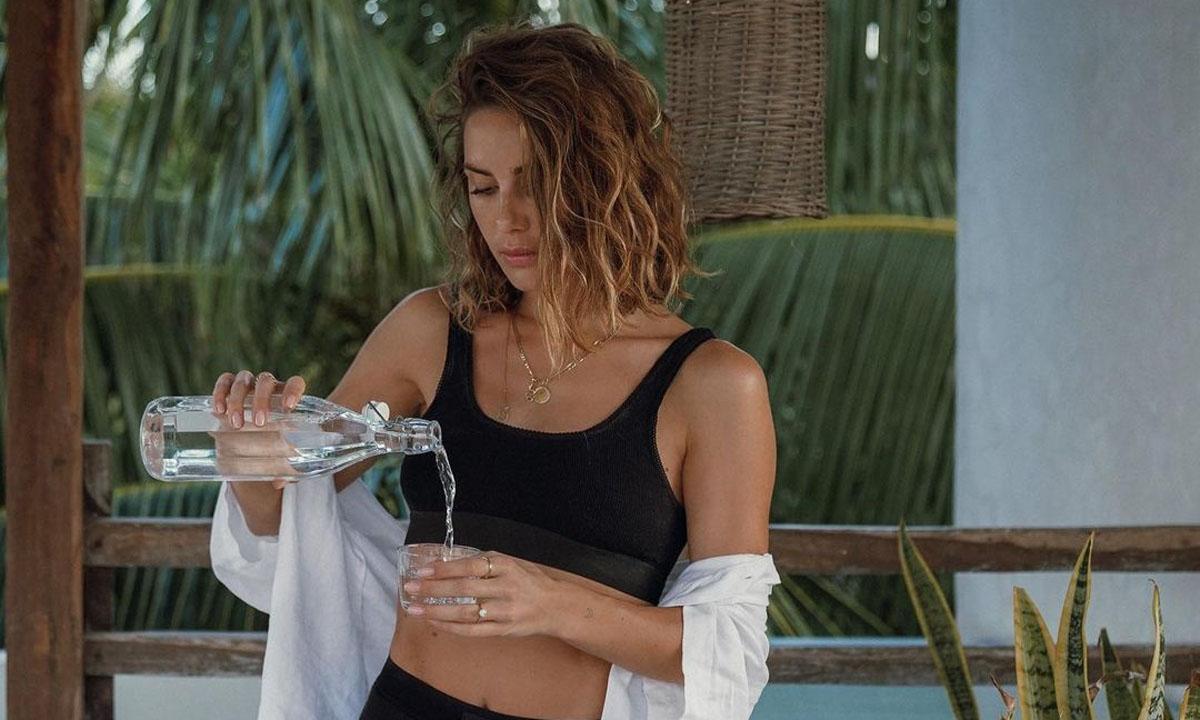 ¿Beber agua fría o caliente? Te explicamos por qué la temperatura SÍ que importa