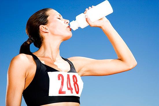 ¿Qué beber durante una carrera popular?