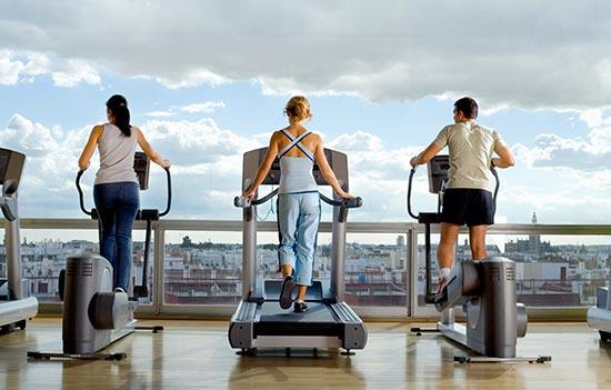 5 razones para entrenar por la ma ana for Gimnasio por horas