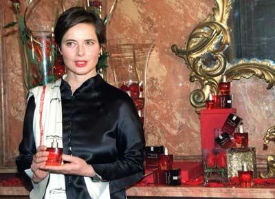 Isabella Rossellini presenta su último perfume